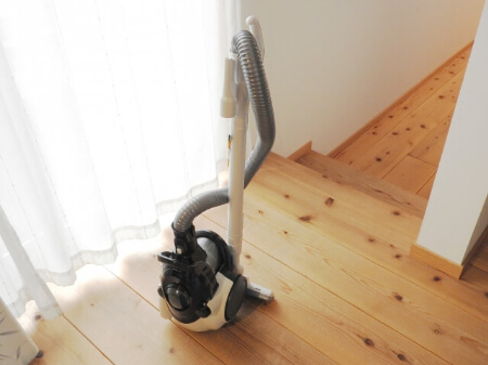 掃除機でドラム式洗濯機の乾燥フィルターを掃除する方法