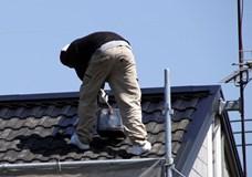 【屋根塗装の基礎知識】屋根塗装の時期の決め方や工事の費用相場を解説