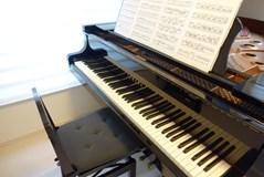 【ピアノの輸送】気になる料金相場とピアノの輸送方法を徹底解説します!