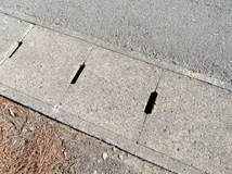 側溝の蓋は破損したままにすると危険!側溝の蓋の種類と破損時の対応やメンテナンス