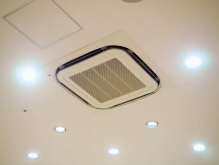 エアコンクリーニング(天井埋め込み)!安心のオーガニック洗剤使用可能です!