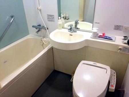 トイレクリーニングお任せ下さい!水垢もキレイにします!