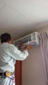 プロのお掃除で綺麗に☆エアコンクリーニング壁掛け