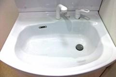 ボウルの水垢もスッキリピカピカ!便利屋トップの洗面所クリーニング!