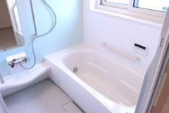 浴槽・天井・壁・ドアなこびり付いた頑固な水アカ、黒ずみ、カビもおまかせ! shop854