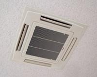 エアコン専用洗剤で内部のカビ・ダニ・ホコリをしっかり洗浄!【天カセタイプ】