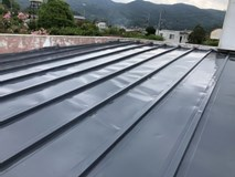 【茨城・栃木対応!】丁寧に、美しい仕上がりへ〈屋根塗装 / トタンタイプ〉